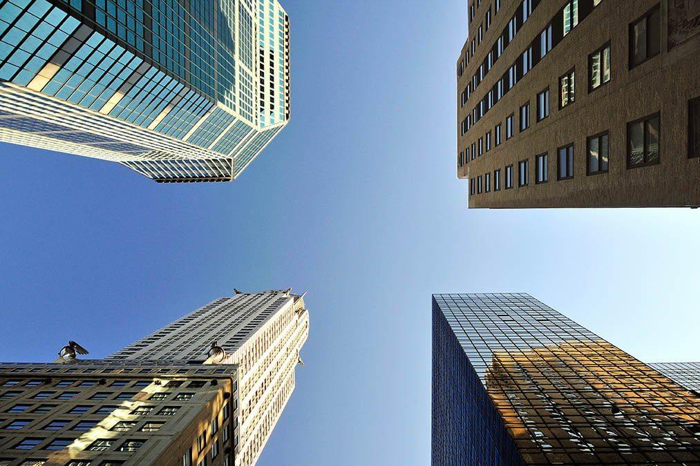 Empire State Building van onderen