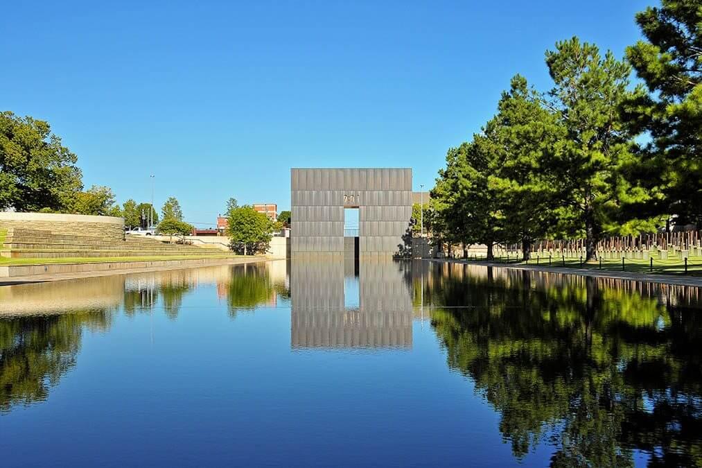 Reflectie Oklahoma monument